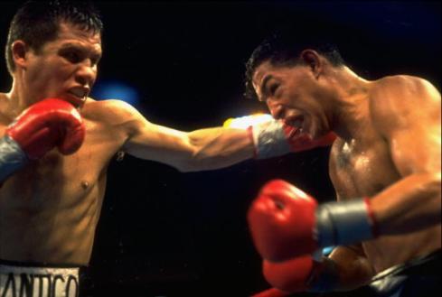 Julio Cesar Chavez, WBC Light Welterweight Title